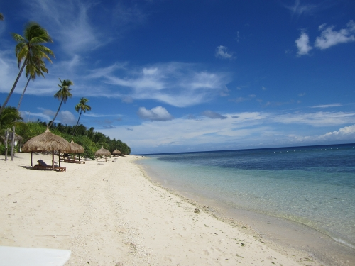 Coco Grove Beach Resort auf Siquijor Island