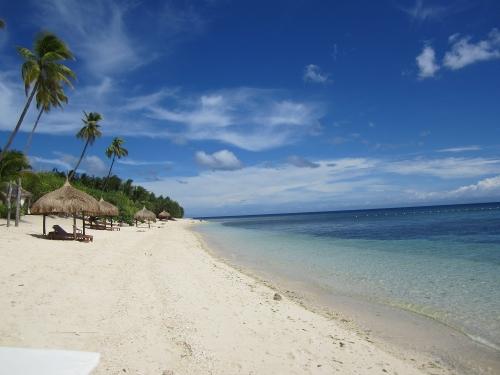 Coco Grove Beach Resort auf Siquijor Island