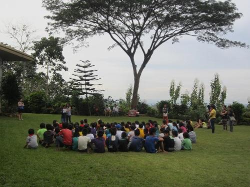 Gestern haben wir uns mit über 100 Kindern auf der alljährlichen X-Mas-Charity im Malsag House in Cagayan de Oro auf Weihnachten eingestimmt.